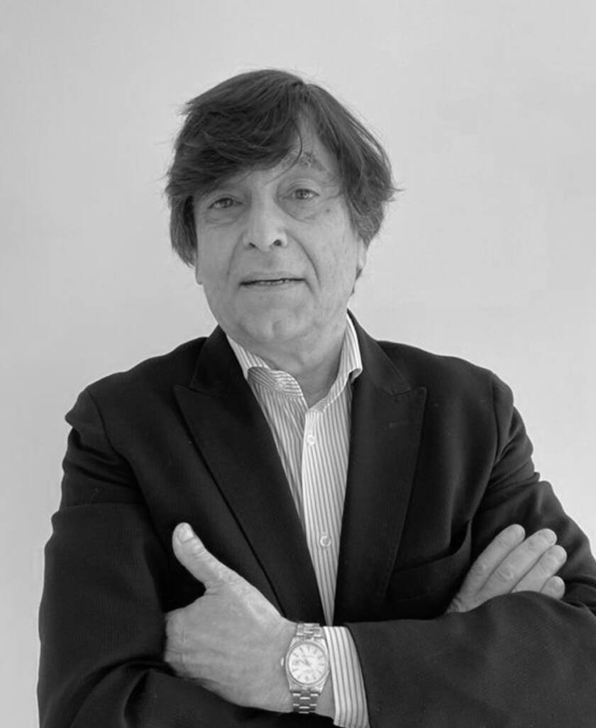 """<a style=""""font-size:20px"""">Rubén Iglesias </a><p style=""""color:#9DA9BA"""";>España</p>"""